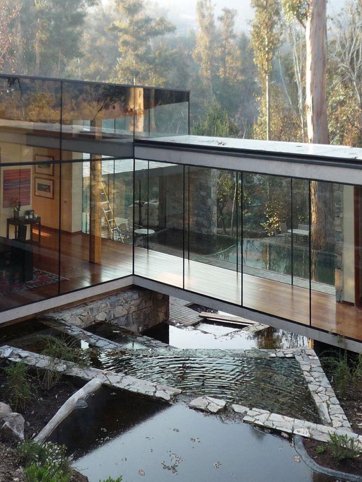 Окно -  определяющий элемент в современной архитектуре.