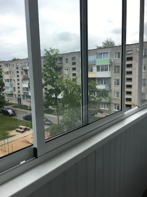"""Остекление балкона """"холодным"""" алюминиевым профилем"""
