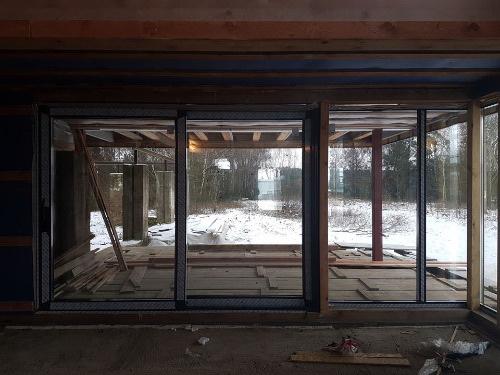 Остекление дома в Гродно панорамными конструкциями Alutech