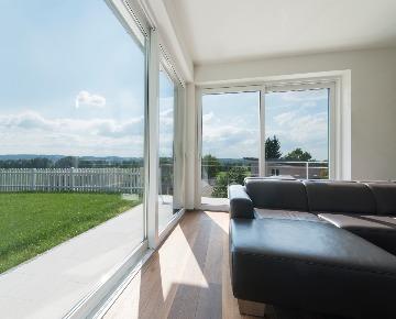 Большие окна -порталы в доме
