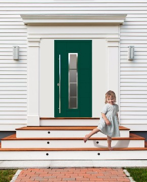 Входная дверь в коттедж фото