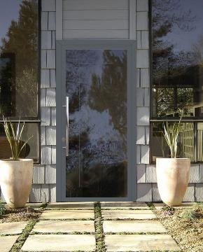Входные двери со стеклом фото