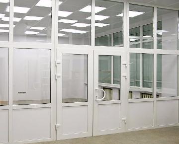 Офисные двери и перегородки из ПВХ