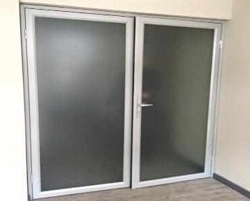 Офисные двери купить в Гродно