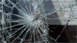 Как бьется стекло-триплекс фото
